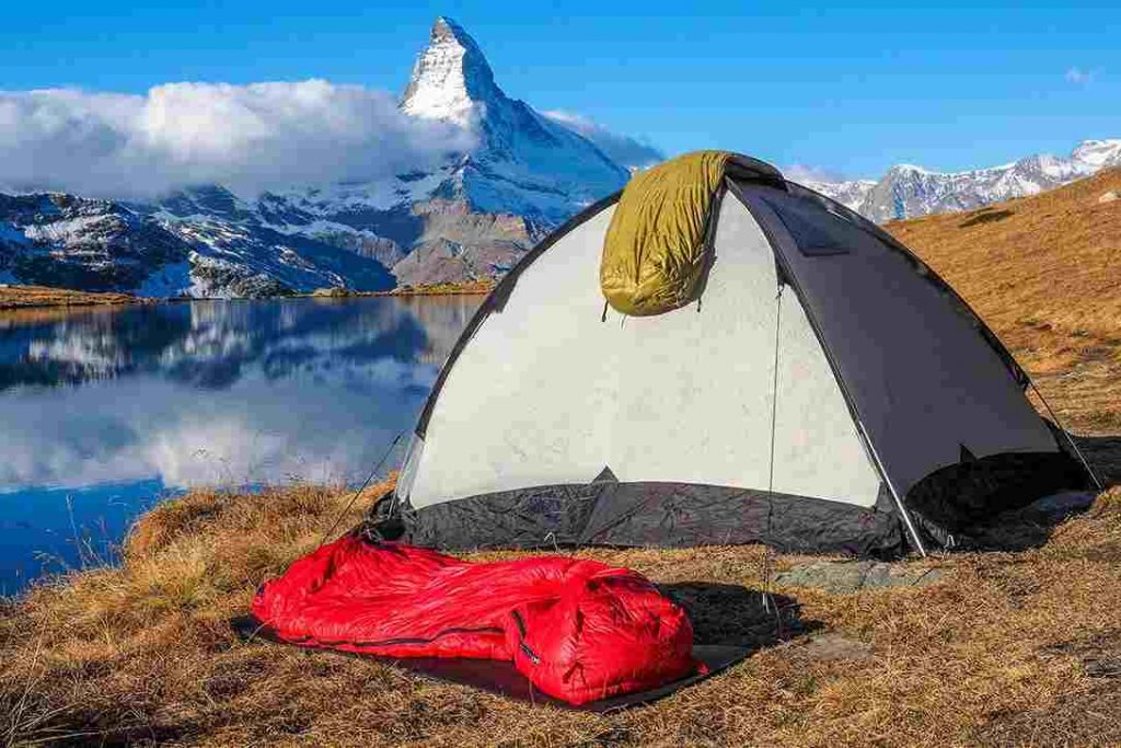 Best-Sleeping-Bags-for-Backpacking-Trips
